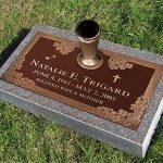Classique Grave Memorial Marker